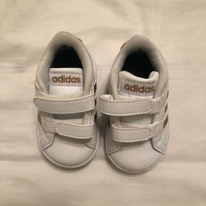 Baby girl rose gold Adidas